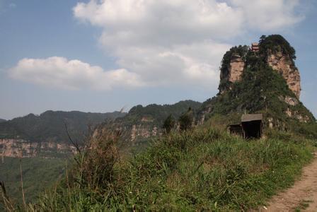 白云观风景区位于重庆市綦江区石角镇瀛山,隔綦河与古剑山遥遥相峙