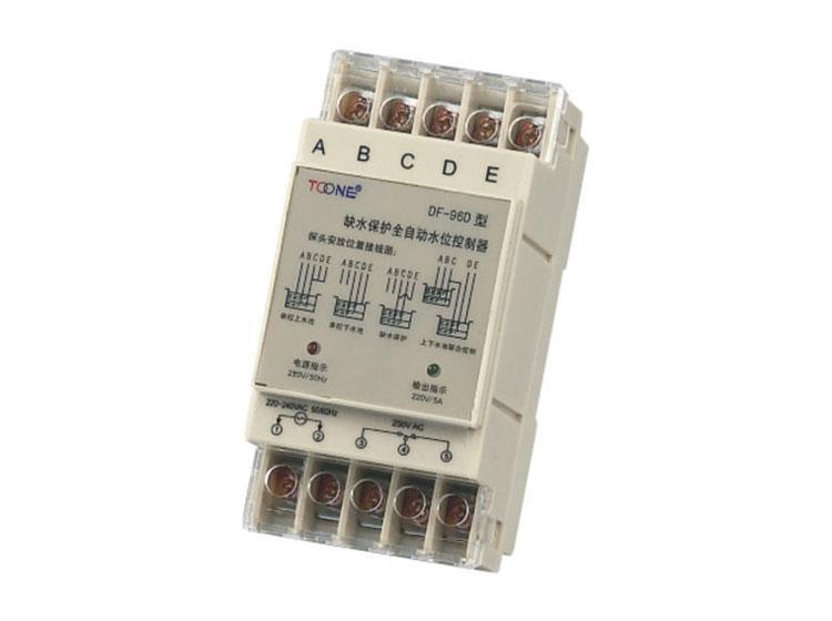 在水塔给水控制系统中,主主机安装在水塔,副主机安装在水池泵房.