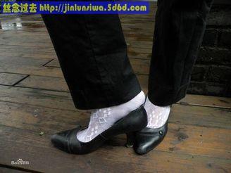 女式锦纶丝袜的花纹也是五花八门,琳琅满目,但最漂亮的花纹是菱形块