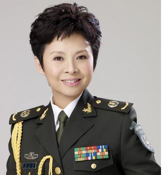 董文华曾因演唱《春天的故事》而红遍中国