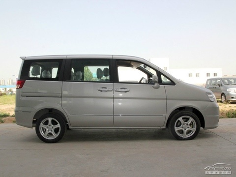 帅客是郑州日产推出的高级紧凑型商务车