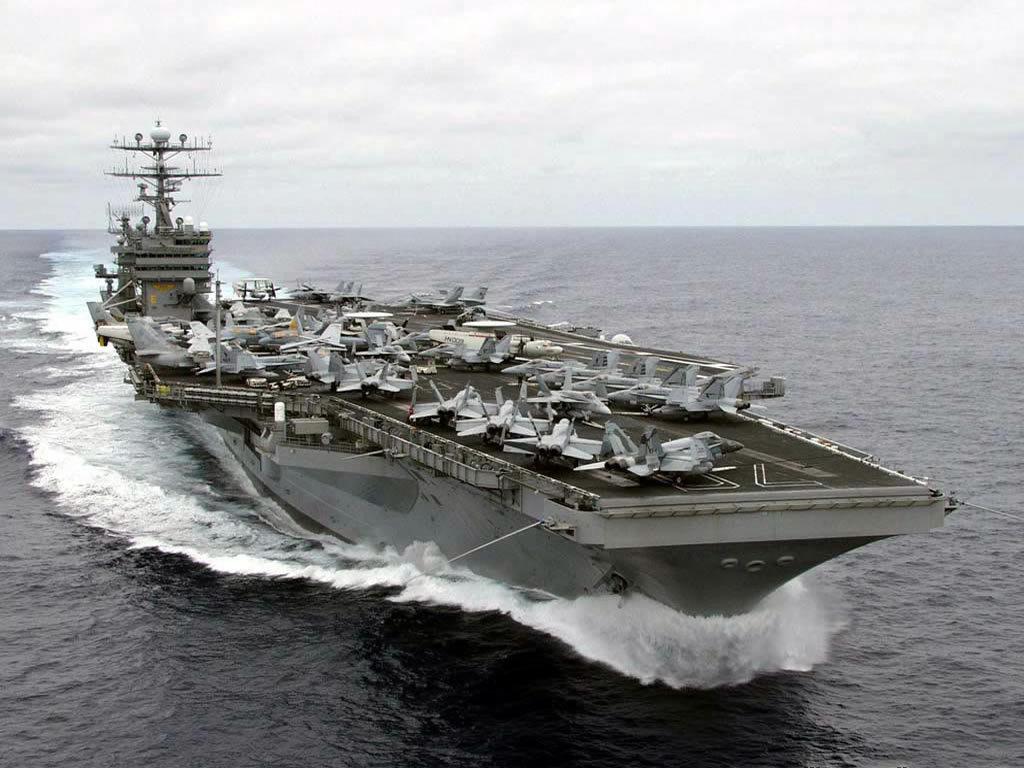 航空母舰的战斗逻辑是用飞机直接把敌人消灭在距离航