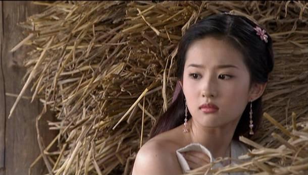 她15岁成名,和黄渤是同学,更是所有宅男心中的神仙姐姐 亦菲 玛丽图片