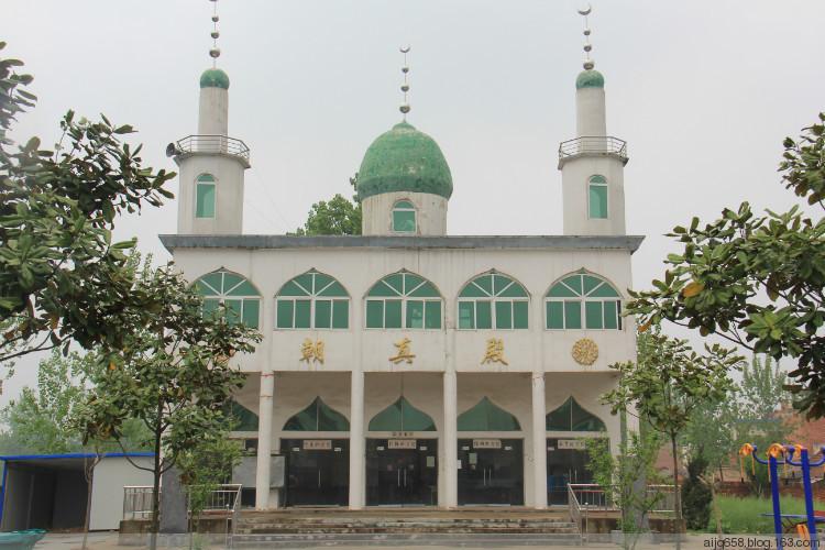 常老庄清真寺,坐落在新蔡县李桥回族镇常老庄
