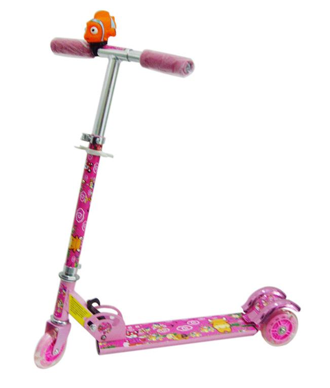 滑板车简直就像一辆小型单车